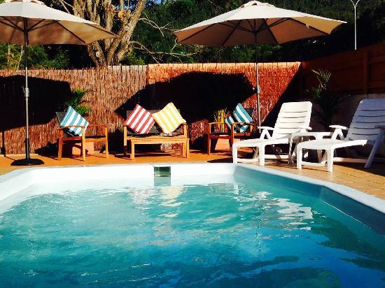 Paradise Court Holiday Units
