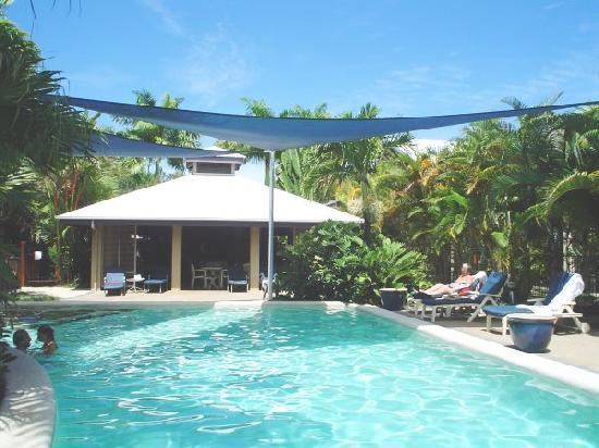 Comfort Suites Trinity Beach Club