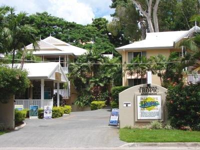 Palm Cove Tropic Apartments