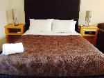 Sandown Regency And Apartments, Queen Hotel Room