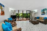 Roydon Beachfront Apartments, 3bdrm2bthrm Beachfront Spa Apt