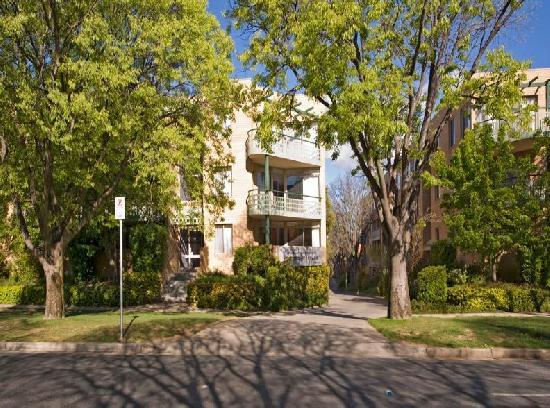 Kingston Terrace Serviced Apartments