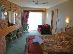 Sapphire Waters Motor Inn, Executive Family Suite