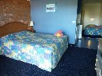 Sapphire Waters Motor Inn, Poolside Family Suite-1Q & 2S