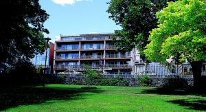North Lodge Apartments