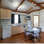 Alivio Tourist Park Canberra, Rosella 2 Bedroom Cabin