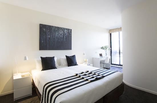 140 Little Collins Apartment Hotel