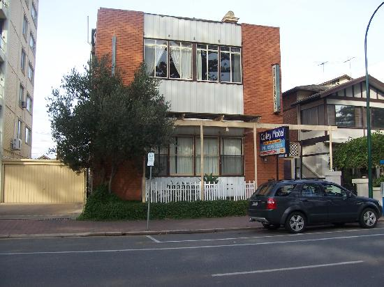 Piccadilly Apartments on Colley