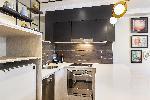 Mantra 2 Bond Street Sydney, Deluxe 1 Bdm Apartment + Study