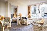 Mantra 2 Bond Street Sydney, 1 Bedroom Apartment + Bfast