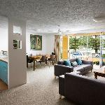 Breakfree Diamond Beach Resort, 2 Bdm 2bthm Poolside Apartment