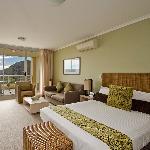 Mantra Ettalong Beach, Studio Spa Apartment-poolview