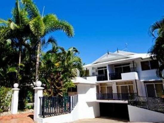 21 Davidson Street Port Douglas 4877 Qld Australia Check Availability Hotel Description The Laude 16 Tropic Sands Apartments