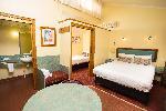 Downs Motel, Deluxe Queen + Single Room