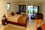 At Waterfront Whitsunday Retreat, 1 Bedrm Luxury Spa Apartment