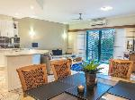 Currumbin Sands On The Beach, 2 Bedroom Apartment Beach View