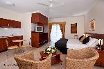 Cairns Queens Court, Studio Hotel Suite + Bfast