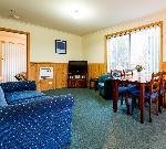 Driftwood Strahan Villas, 2 Bedroom  Villa - 1Q & 2s