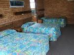 Coachmens Inn Motel, Deluxe Hotel Room - 1 D + 2 S