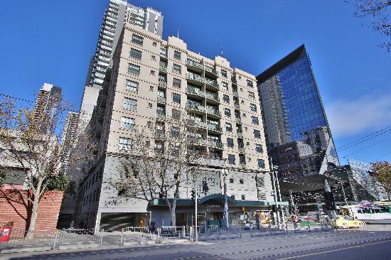 Amazing 3 Bedroom Serviced Apartments Melbourne Cbd Download Free Architecture Designs Licukmadebymaigaardcom