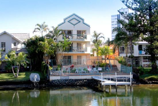 Surfers Riverside Holiday Apartments