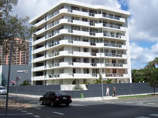 Affordable 4 Bedroom Apartments In Surfers Paradise Gold