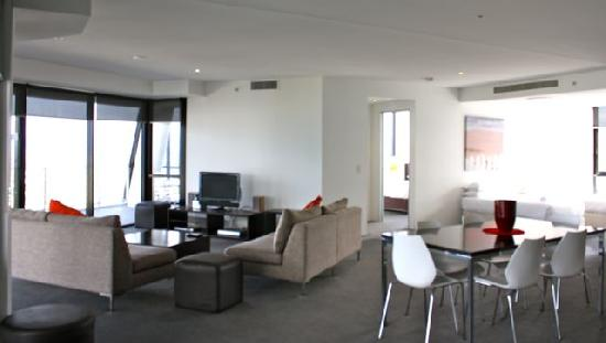 Circle on Cavill Private Holiday Apartments