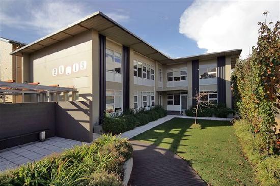 Glenelg Holiday Apartments